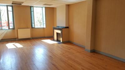 Appartement Castelsarrasin &bull; <span class='offer-area-number'>170</span> m² environ &bull; <span class='offer-rooms-number'>7</span> pièces