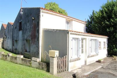 Maison Tonnay Charente &bull; <span class='offer-area-number'>126</span> m² environ &bull; <span class='offer-rooms-number'>4</span> pièces