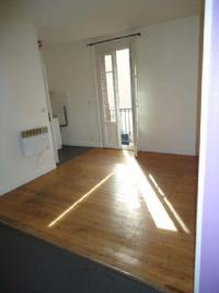 Appartement Douvres la Delivrande &bull; <span class='offer-area-number'>20</span> m² environ &bull; <span class='offer-rooms-number'>1</span> pièce