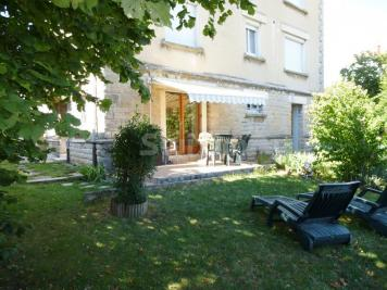 Appartement Lons le Saunier &bull; <span class='offer-area-number'>55</span> m² environ &bull; <span class='offer-rooms-number'>3</span> pièces