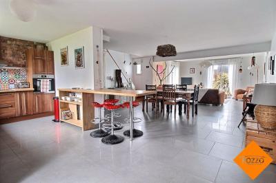 Maison Gouville sur Mer &bull; <span class='offer-area-number'>120</span> m² environ &bull; <span class='offer-rooms-number'>5</span> pièces