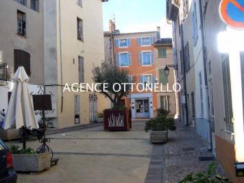 Maison Roquebrune sur Argens &bull; <span class='offer-area-number'>54</span> m² environ &bull; <span class='offer-rooms-number'>2</span> pièces