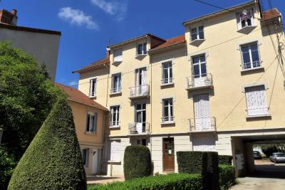 Appartement Montlucon &bull; <span class='offer-area-number'>58</span> m² environ &bull; <span class='offer-rooms-number'>3</span> pièces