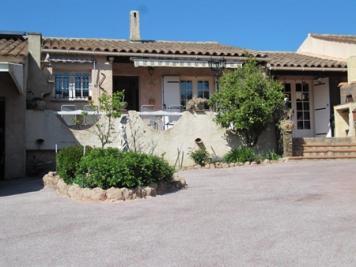 Maison La Mole &bull; <span class='offer-area-number'>85</span> m² environ &bull; <span class='offer-rooms-number'>3</span> pièces