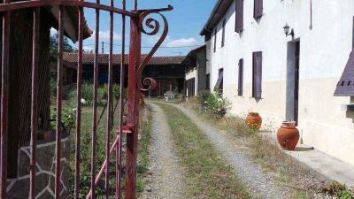 Maison Trie sur Baise &bull; <span class='offer-area-number'>300</span> m² environ &bull; <span class='offer-rooms-number'>12</span> pièces