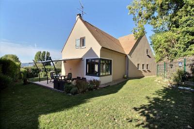 Maison Triel sur Seine &bull; <span class='offer-area-number'>200</span> m² environ &bull; <span class='offer-rooms-number'>7</span> pièces