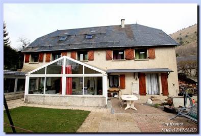 Maison Ste Luce &bull; <span class='offer-area-number'>132</span> m² environ &bull; <span class='offer-rooms-number'>5</span> pièces