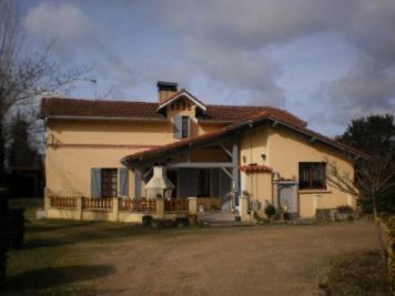 Maison Mont de Marsan &bull; <span class='offer-area-number'>186</span> m² environ &bull; <span class='offer-rooms-number'>11</span> pièces