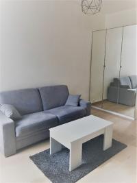 Appartement Paris 10 &bull; <span class='offer-area-number'>18</span> m² environ &bull; <span class='offer-rooms-number'>1</span> pièce