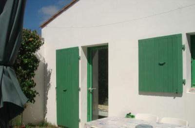 Maison Les Portes en Re &bull; <span class='offer-area-number'>50</span> m² environ &bull; <span class='offer-rooms-number'>2</span> pièces