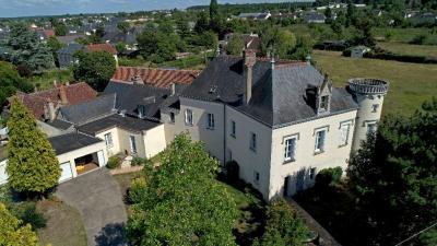 Maison Amboise &bull; <span class='offer-area-number'>370</span> m² environ &bull; <span class='offer-rooms-number'>9</span> pièces