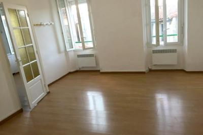 Appartement Marseille 06 &bull; <span class='offer-area-number'>30</span> m² environ &bull; <span class='offer-rooms-number'>1</span> pièce