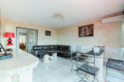 Appartement Berre l Etang &bull; <span class='offer-area-number'>83</span> m² environ &bull; <span class='offer-rooms-number'>4</span> pièces