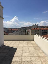 Appartement Lyon 06 &bull; <span class='offer-area-number'>61</span> m² environ &bull; <span class='offer-rooms-number'>2</span> pièces