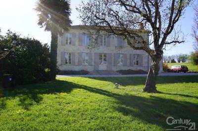 Maison Civrac en Medoc &bull; <span class='offer-area-number'>335</span> m² environ &bull; <span class='offer-rooms-number'>6</span> pièces