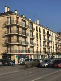Appartement Pontoise &bull; <span class='offer-area-number'>101</span> m² environ &bull; <span class='offer-rooms-number'>5</span> pièces