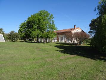 Maison Lagardelle sur Leze &bull; <span class='offer-area-number'>378</span> m² environ &bull; <span class='offer-rooms-number'>10</span> pièces