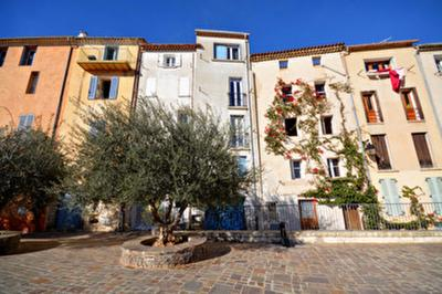 Appartement Hyeres &bull; <span class='offer-area-number'>38</span> m² environ &bull; <span class='offer-rooms-number'>2</span> pièces