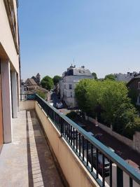 Appartement St Maur des Fosses &bull; <span class='offer-area-number'>113</span> m² environ &bull; <span class='offer-rooms-number'>6</span> pièces