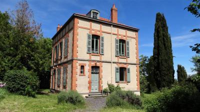 Maison Prompsat &bull; <span class='offer-area-number'>169</span> m² environ &bull; <span class='offer-rooms-number'>9</span> pièces