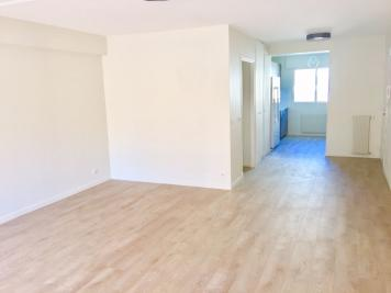Appartement St Laurent du Var &bull; <span class='offer-area-number'>81</span> m² environ &bull; <span class='offer-rooms-number'>3</span> pièces