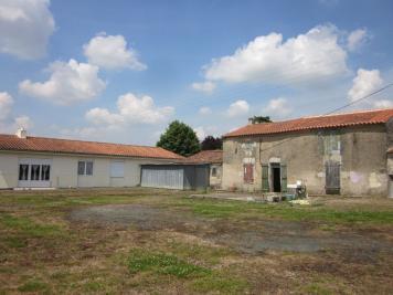Maison Le Poire sur Velluire &bull; <span class='offer-area-number'>140</span> m² environ &bull; <span class='offer-rooms-number'>6</span> pièces