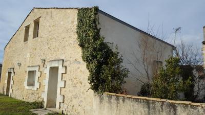 Maison Lamarque &bull; <span class='offer-area-number'>160</span> m² environ &bull; <span class='offer-rooms-number'>6</span> pièces