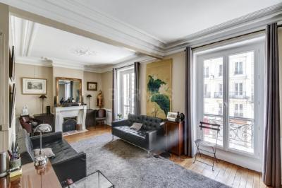 Appartement Paris 05 &bull; <span class='offer-area-number'>59</span> m² environ &bull; <span class='offer-rooms-number'>3</span> pièces