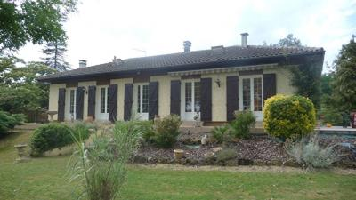 Maison Le Houga &bull; <span class='offer-area-number'>123</span> m² environ &bull; <span class='offer-rooms-number'>4</span> pièces