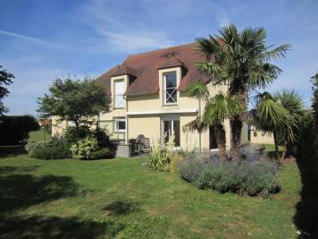 Maison Demouville &bull; <span class='offer-area-number'>178</span> m² environ &bull; <span class='offer-rooms-number'>7</span> pièces