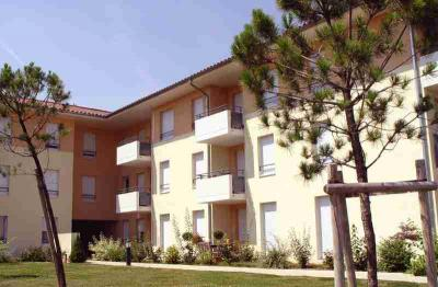 Appartement L Isle d Abeau &bull; <span class='offer-area-number'>64</span> m² environ &bull; <span class='offer-rooms-number'>3</span> pièces