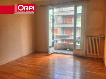Appartement Grenoble &bull; <span class='offer-area-number'>107</span> m² environ &bull; <span class='offer-rooms-number'>4</span> pièces