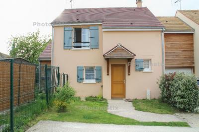 Maison Garancieres &bull; <span class='offer-area-number'>100</span> m² environ &bull; <span class='offer-rooms-number'>4</span> pièces