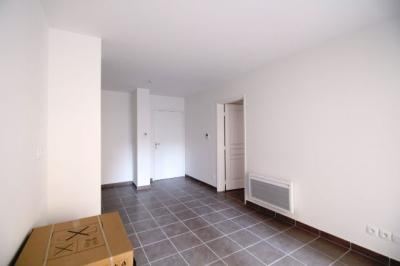 Appartement Marseille 06 &bull; <span class='offer-area-number'>34</span> m² environ &bull; <span class='offer-rooms-number'>2</span> pièces