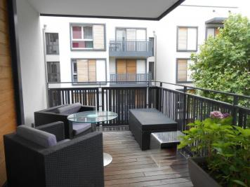 Appartement Lyon 07 &bull; <span class='offer-area-number'>99</span> m² environ &bull; <span class='offer-rooms-number'>5</span> pièces