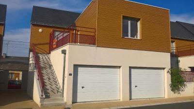 Maison Montlouis sur Loire &bull; <span class='offer-area-number'>68</span> m² environ &bull; <span class='offer-rooms-number'>3</span> pièces