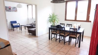 Appartement Carbon Blanc &bull; <span class='offer-area-number'>91</span> m² environ &bull; <span class='offer-rooms-number'>4</span> pièces