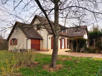 Maison Charenton du Cher &bull; <span class='offer-area-number'>130</span> m² environ &bull; <span class='offer-rooms-number'>5</span> pièces