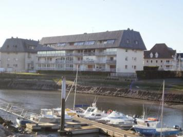 Appartement Courseulles sur Mer &bull; <span class='offer-area-number'>45</span> m² environ &bull; <span class='offer-rooms-number'>2</span> pièces