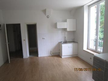 Appartement Lizy sur Ourcq &bull; <span class='offer-area-number'>82</span> m² environ &bull; <span class='offer-rooms-number'>4</span> pièces