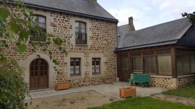Maison Plouasne &bull; <span class='offer-area-number'>196</span> m² environ &bull; <span class='offer-rooms-number'>8</span> pièces