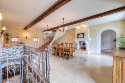 Maison La Tour du Pin &bull; <span class='offer-area-number'>230</span> m² environ &bull; <span class='offer-rooms-number'>7</span> pièces