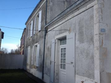 Maison Le Gue de Velluire &bull; <span class='offer-area-number'>85</span> m² environ
