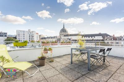 Appartement Nantes &bull; <span class='offer-area-number'>71</span> m² environ &bull; <span class='offer-rooms-number'>3</span> pièces