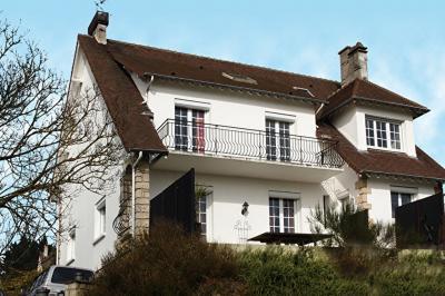 Maison Mezy sur Seine &bull; <span class='offer-area-number'>290</span> m² environ &bull; <span class='offer-rooms-number'>10</span> pièces
