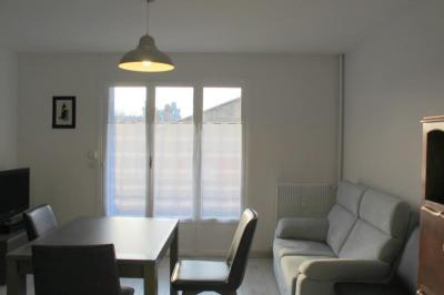 Appartement Salon de Provence &bull; <span class='offer-area-number'>51</span> m² environ &bull; <span class='offer-rooms-number'>2</span> pièces