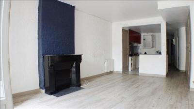 Appartement Toulon &bull; <span class='offer-area-number'>77</span> m² environ &bull; <span class='offer-rooms-number'>3</span> pièces