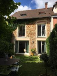 Maison Le Chesnay &bull; <span class='offer-area-number'>121</span> m² environ &bull; <span class='offer-rooms-number'>6</span> pièces