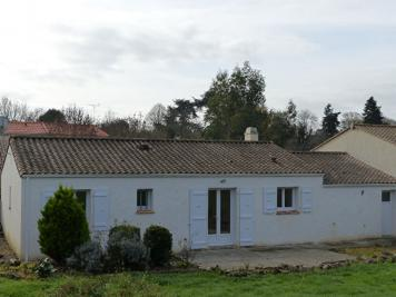 Maison Le Champ St Pere &bull; <span class='offer-area-number'>85</span> m² environ &bull; <span class='offer-rooms-number'>5</span> pièces