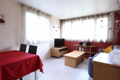 Appartement Arcueil &bull; <span class='offer-area-number'>48</span> m² environ &bull; <span class='offer-rooms-number'>2</span> pièces